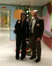 Teresa Morais distribui sorrisos às crianças internadas na Pediatria do CHL
